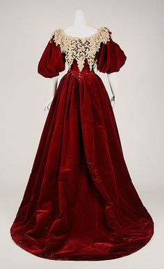 Evening dress House of Worth  Designer: Charles Frederick Worth Date: 1893–95 Culture: French Medium: silk