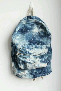 Mochila jeans. Denim Backpack, Backpack Bags, Fashion Backpack, Galaxy Backpack, Duffle Bags, Denim Bag, Messenger Bags, Bleach Tie Dye, Tye Dye