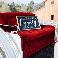 This beautiful horse-drawn carriage @CBarRanch is the perfect way to start your happily ever after. Photo Credit @arielleimages