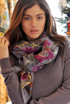 Don't know if the model is a summer, but the scarf with the top are lovely colors for the Summer woman.