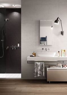 Spatula: the resin-look porcelain stoneware that combines a hand-finished effect with Italgraniti technical performances.The surface reproduces exquis. Decor, Bathtub, Spatula, Bathroom Mirror, Tile Bathroom, Home Decor, Mirror, Bathroom Lighting, Bathroom
