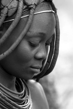 Africa | Himba woman.  Namibia | ©Natali Arn