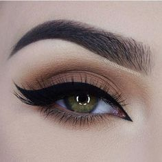 Liner on point RP @fiercesociety ❤️ @miaumauve wearing @esqido handcrafted mink…