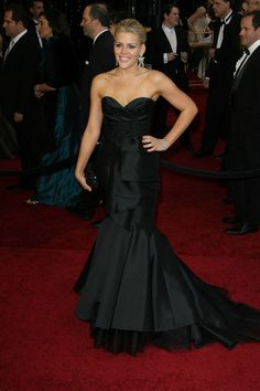 Celebs get glam for 2011 Academy Awards