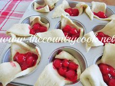 Cherry Pie Bites uses pantry ingredients like cherry pie filling and crescent rolls to make a super simple and super tasty dessert! It's all topped off with an easy to make vanilla icing. Cherry Desserts, Cherry Recipes, Köstliche Desserts, Delicious Desserts, Dessert Recipes, Crescent Roll Recipes, Crescent Rolls, Yummy Treats, Sweet Treats