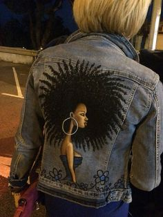 Customised Denim Jacket, Custom Denim Jackets, Painted Jeans, Painted Clothes, Western Show Clothes, T Shirt Painting, Blazer Jackets For Women, Embellished Jeans, Denim Fashion