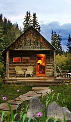 Tiny house cabin, cabin homes и log homes. Small Log Cabin, Tiny Cabins, Little Cabin, Tiny House Cabin, Log Cabin Homes, Cabins And Cottages, Cozy Cabin, Log Cabins, Casas Country