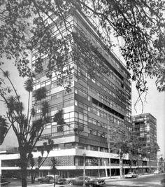 Condominio en Reforma, Mario Pani 1955