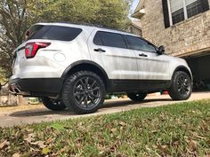@ford #traxda #lifted @explorernationusa #explorer  #ford #bfgoodrich #bfg - fr8zilla76