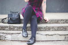 http://melinasouza.com/2015/05/20/london-like/  Melina Souza - Serendipity <3  Dress: PRIMARK Shoes: Oxford PRIMARK Bag: PRIMARK  #Look  #Plaid  #Tartan