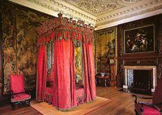 Holyrood Palace Interior | The King's Bedchamber at Royal Palace of Holyroodhouse Edinburgh ...