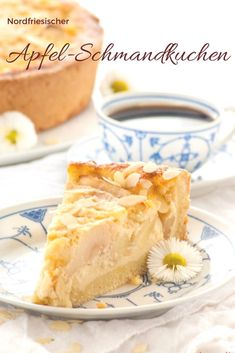 North Frisian apple sour cream cake recipe - baking and desserts - Kuchen Apple Pie Recipes, Sweet Recipes, Baking Recipes, Cake Recipes, Dessert Recipes, Apple Sour Cream Cake, Apple Cake, German Baking, Gateaux Cake