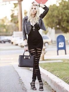 Taylor Momsen, of The Pretty Reckless - this outfit, is absolutely adorable!!!