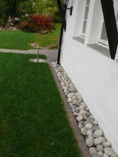 35 Trendy Ideas Landscaping With Rocks Around House Grass 35 Trendy Ideas Landscaping With Rocks Aro Landscaping Around House, Home Landscaping, Landscaping With Rocks, Front Yard Landscaping, Landscaping Software, Landscaping Borders, Garden Edging, Lawn And Garden, House Landscape