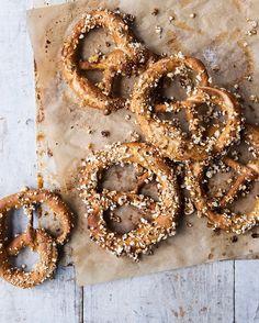 Popcorn pretzels aplenty  @penguinukbooks #feedfeed by issycroker
