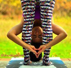 Loving the hip flexion ,and peeping through the colourful leggings. Yoga Nidra, Yoga Sequences, Yoga Poses, Yoga Breathing Techniques, Yoga Pictures, Types Of Yoga, Pranayama, Ashtanga Yoga, Hot Yoga