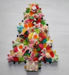 will not wait for the Christmas Deserts, Christmas Candy, Christmas Time, Chocolate Tree, Chocolate Bouquet, Birthday Sweets, Birthday Crafts, Candy Cakes, Candy Favors
