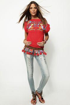 Camiseta roja bordada sin mangas - 125,00€ : Zaitegui - Moda y ropa de marca para señora en Encartaciones