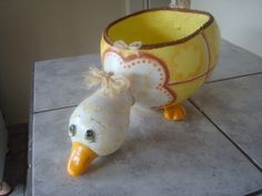 Paper Mache Crafts, Clay Crafts, Diy And Crafts, Chicken Crafts, Chicken Art, Duck Crafts, Easter Crafts, Coconut Shell Crafts, Clay Jar