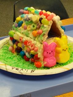 Easter project for Kindergarten.... The kids love making the Bunny House.