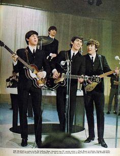"1964 Beatles at USA Ed Sullivan Show First and Second Time Photo Gallery "" Foto Beatles, Les Beatles, Beatles Photos, Rock And Roll, Pop Rock, John Lennon, Musica Salsa, The Ed Sullivan Show, Lennon And Mccartney"