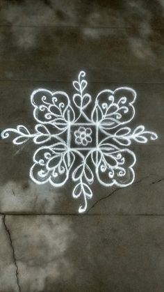 Simple Rangoli Designs Images, Rangoli Designs Latest, Rangoli Border Designs, Rangoli Designs Diwali, Rangoli Designs With Dots, Kolam Rangoli, Flower Rangoli, Beautiful Rangoli Designs, Padi Kolam