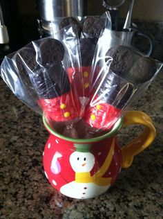 Mickey Mouse Marshmallow Pops