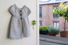 Patron d'une petite robe au tricot – Petites Broutilles