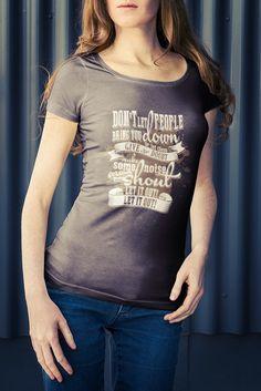 Estampa de Camiseta criada para cantora country Megan Lucky, via agência Kristian, em Dallas, Texas (USA). Pode ser visto em www.eduardobibiano.com.br.