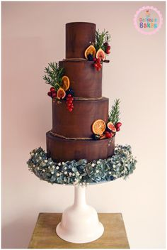 Autumnal Chocolate Heaven by Dollybird Bakes - http://cakesdecor.com/cakes/263702-autumnal-chocolate-heaven