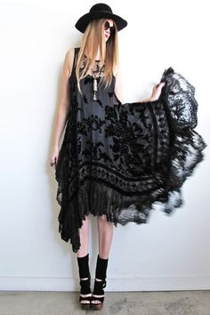 I hate the wide-brimmed hat + circle sunglasses look but this dress is awesome. --- I agree with this entirely.