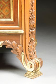 A FINELY CARVED LOUIS XVI STYLE MARBLE TOPPED PARCEL