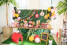 Festa Snoopy   Macetes de Mãe Fall Birthday, Baby 1st Birthday, First Birthday Parties, First Birthdays, Baby Party, Baby Shower Parties, Snoopy Party, Celebration Day, Bar Set Up