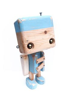 Below is a number of wood craft concepts which are excellent to be decorations too. It offers rustic look to a specific space or perhaps to the whole residence. 2x4 Crafts, Tin Can Crafts, Wooden Crafts, Wooden Diy, Wooden Toy Cars, Wood Toys, Making Wooden Toys, Woodworking Toys, Vinyl Toys