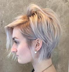 70 Short Shaggy, Spiky, Edgy Pixie Cuts and Hairstyles long+blonde+pixie+for+thin+hair Choppy Pixie Cut, Messy Pixie Haircut, Thin Hair Haircuts, Short Pixie Haircuts, Cute Hairstyles For Short Hair, Hairstyles With Bangs, Short Hair Cuts, Short Hair Styles, Hairstyle Ideas