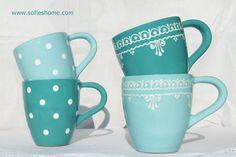 *Ein süßer handgemachter  Keramik Becher: Farbe pasteltürkiz oder dunkler türkiz mit handbemalten weißen Punkte oder mit Spitzenmotiv von Sofie's Home*   Beim Kauf geben Sie bitte die gewünschte...