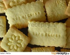Zubaté sušenky Christmas Cookies, Dairy, Bread, Cheese, Food, Basket, Xmas Cookies, Christmas Crack, Christmas Biscuits