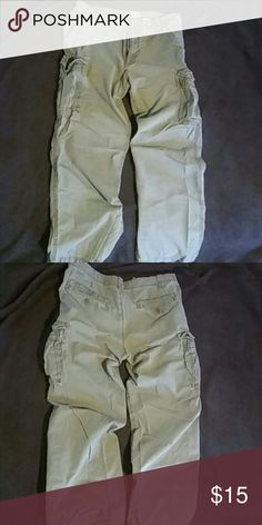 Cargo khaki pants Mens rugged cargo khakis from G.H. Bass & Co. Ready for that outdoor hiking trip you've been wanting to plan. Why buy new when you can buy experienced wear. Already tested and approved. Size 33x30 Bass Pants