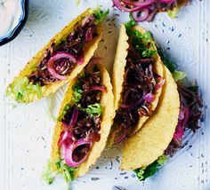 Fill crisp taco shells with a spicy pulled pork filling which can be frozen ahead of time for an easy entertaining dish to share Carnitas, Barbacoa, Mexican Pulled Pork, Pulled Pork Tacos, Pulled Pork Recipes, Horchata, Tamales, Quesadillas, Tostadas