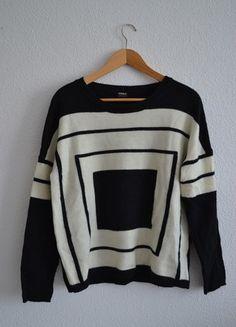 Kup mój przedmiot na #vintedpl http://www.vinted.pl/damska-odziez/swetry-z-dzianiny/10385286-piekny-sweter-z-kwadratowym-motywem