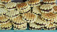 Reteta faguri. Faguri - rețetă veche și simplă Biscuits, Cereal, Deserts, Vegetarian, Cookies, Breakfast, Youtube, Rome, Crack Crackers