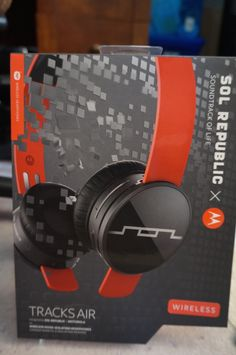 sol republic wireless tracks air 3http://momandmore.com/2014/10/sol-republic-review.html#comment-683363