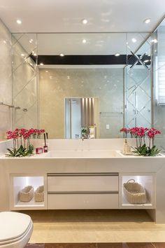 Cheap Home Decorating Ideas Washroom Design, Bathroom Design Luxury, Modern Bathroom Design, Dream Bathrooms, Beautiful Bathrooms, Home Room Design, Home Interior Design, Washbasin Design, Bathroom Inspiration