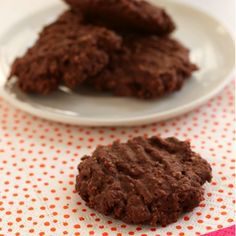 Chocolate Oatmeal Cookies. Low calories, low fat, low carbs.