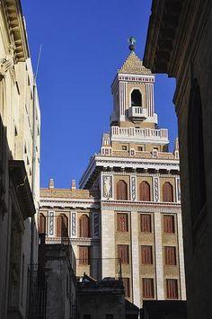 Havana Artdeco Bacardi Building.jpg