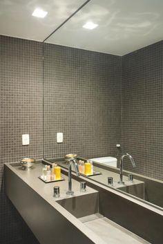 Countertops for bathrooms and toilets Home Design, Küchen Design, Dark Wood Bathroom, Small Bathroom, Concrete Bathroom, Bathroom Ideas, Bad Inspiration, Bathroom Inspiration, Relaxation Room