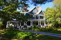 Sweet House Dreams: 1893 Bar Harbor Cottage in Bangor, Maine