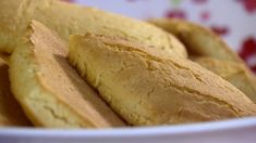 Família ensina a fazer tradicional receita de bolacha de fubá com coco | Receitas Paranaenses | G1 Coco, Whoopie Pies, Cupcakes, Pasta, Chocolate, Sweet Life, Scones, Biscotti, Cornbread
