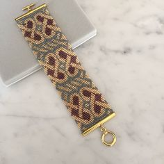 I also offer a loom pattern for this design. This pattern will bead up very quickly using the 5 drop peyote stitch. This is for the pattern only and is Bead Loom Patterns, Peyote Patterns, Bracelet Patterns, Beading Patterns, Loom Bands, Celtic Heart, Celtic Knot, Peyote Beading, Beadwork