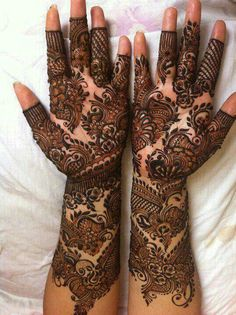 Just look at the designs and detailing... Wonder when I start doing that..... Been practising